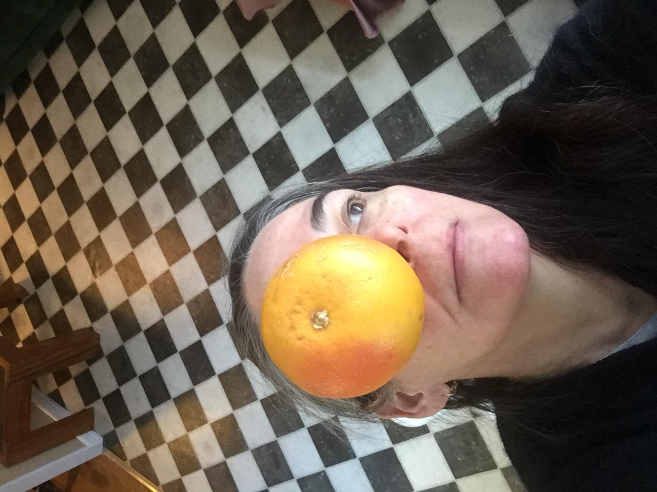 grapefruit selfie.JPG